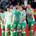 El Real Betis Balompié pelea por fichar a Rubén Aguilar / La Vanguardia