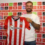 OFICIAL: Adam Armstrong, nuevo jugador del Southampton