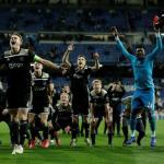 Ajax, celebrando en el Bernabéu / twitter