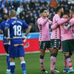 """El Deportivo Alavés quiere a un futbolista del Real Betis """"Foto: Marca"""""""