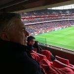 Carlo Ancelotti viendo al Arsenal/ Twitter