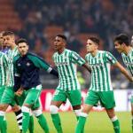 El Real Betis afronta la recta final por Álex Moreno / Twitter