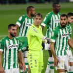 La defensa del Real Betis mete miedo... pero a sus fanáticos