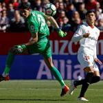 El Sevilla consigue al recambio de Sergio Rico. FOTO: GIRONA