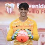 El Sevilla ya tiene sustituto para Bono / Sevillafc.es