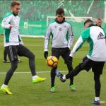 Mandi, durante un entreno (Real Betis)