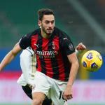 Hakan Calhanoglu descarta un fichaje por el Manchester United