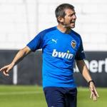 Celades en un entrenamiento con el Valencia. / valenciacf.com