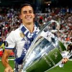 Lucas Vázquez, con una de las últimas Champions (Real Madrid)