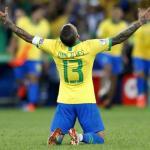 Dani Alves celebra la Copa América / Youtube