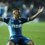 Vélez se adelanta a Lanús por uno de sus objetivos   Clarín
