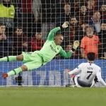 Cillessen durante el encuentro ante el Tottenham de la Champions League / FC Barcelona
