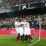 Los jugadores del Valencia celebran uno de los goles anotados hoy (Valencia CF)