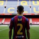 Sergiño Dest no termina de arrancar en el Barcelona