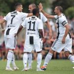 Cristiano, con sus compañeros (Juventus)