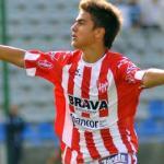 Paulo Dybala celebra un gol con la camiseta de Instituto de Córdoba