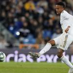 Éder Militao asume el reto de la defensa del Real Madrid. Foto: Marca