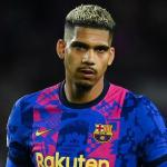 El Barcelona mueve ficha para renovar a Araújo / Bolavip.com
