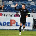 El Sevilla se fija en el centrocampista rumano Ianis Hagi / Twitter