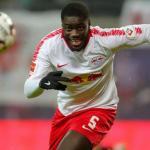 La exigencia del Leipzig al Milan para negociar por Upamecano