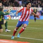 Radamel Falcao celebra un gol en el Vicente Calderón/lainformacion.com