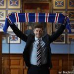 El Newcastle intenta sin éxito el fichaje de Steven Gerrard / Twitter