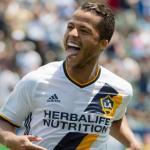 Giovani Dos Santos celebrando un gol con Los Ángeles Galaxy. Foto: Youtube.com