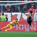 Parejo anota el gol que le dio la victoria al Valencia ante el Sevilla (EFE)