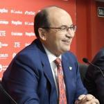 José Castro y Joaquín Caparrós en rueda de prensa. Foto: Sevillafc.es