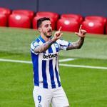 Joselu presiona para fichar por el Sevilla / Eldesmarque.com