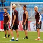 Jugadores de México en el calentamiento de un partido. / heraldodemexico.com.mx