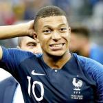 Kylian Mbappé en un partido con Francia / Youtube