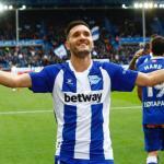 Lucas Pérez recupera la sonrisa en el Deportivo Alavés
