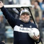 Maradona en su presentación con Gimnasia de la Plata. / t13.cl