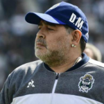 """Maradona bucea y quiere llevarse a otro futbolista de Boca Juniors """"Foto: Olé"""""""