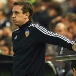 La vergüenza de Gary Neville en el Valencia. Foto: Golsmedia