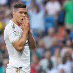 Jovic lamentándose en un partido con el Madrid. / fichajes.com