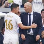 James y Zidane durante un partido. / soccerlaguna.co.za