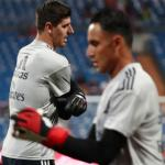 Keylor y Courtois, calentando (Real Madrid)
