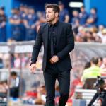 Simeone, dando órdenes al Atlético / twitter