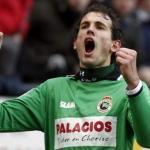 Christian Stuani celebra un gol con el Racing de Santander