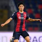 """""""El Milan sigue vigilando a Tomiyasu. Foto: Getty Images"""""""