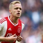 Van de Beek en un partido con el Ajax. / okdiario.com