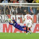 Un peso pesado del Sevilla se marcha lesionado en el entrenamiento previo al derbi | Foto: Estadio Deportivo