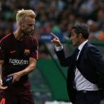Valverde se 'carga' a Rakitic / Depor.com