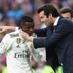 Solari dando instrucciones a Vinicius / Real Madrid