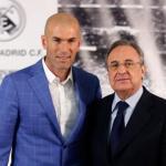 Zinedine Zidane posando junto a Florentino Pérez. Foto: RealMadrid.com