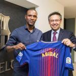 Abidal y Bartomeu, el día de la presentación del francés (FC Barcelona)